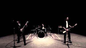 8kids - Alles löst sich auf (Official Video) | Napalm Records